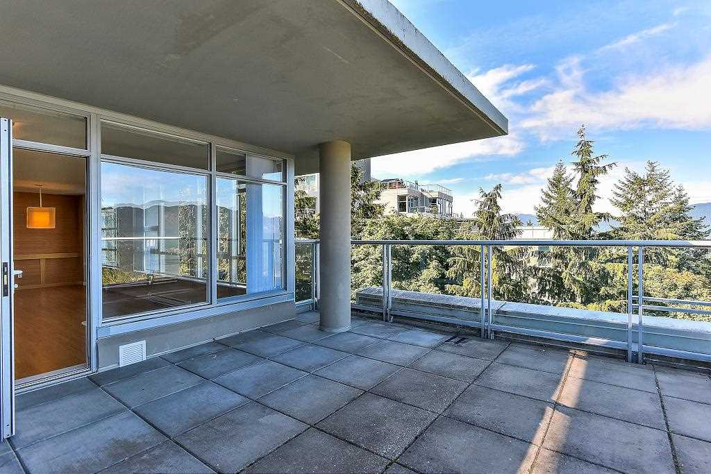 Condo Apartment at 907 9266 UNIVERSITY CRESCENT, Unit 907, Burnaby North, British Columbia. Image 6