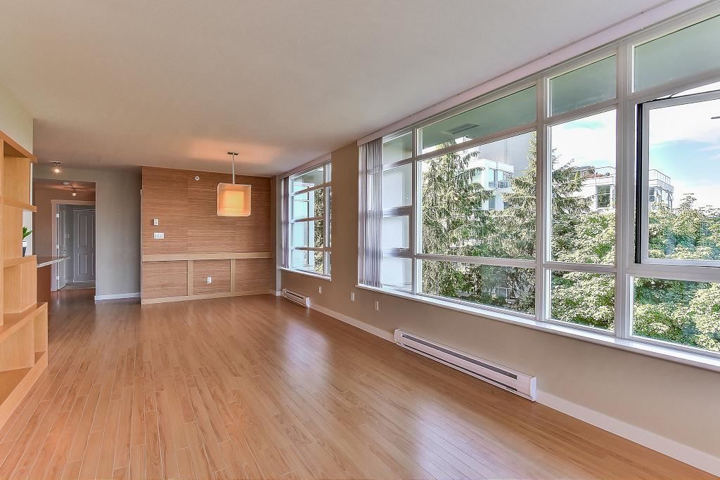 Condo Apartment at 907 9266 UNIVERSITY CRESCENT, Unit 907, Burnaby North, British Columbia. Image 8