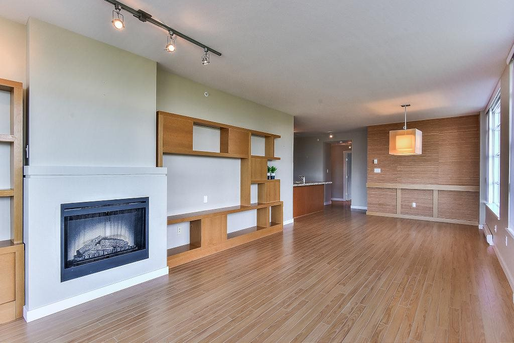 Condo Apartment at 907 9266 UNIVERSITY CRESCENT, Unit 907, Burnaby North, British Columbia. Image 9