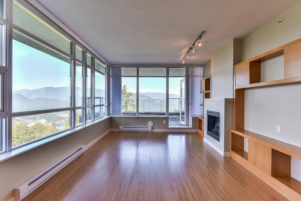 Condo Apartment at 907 9266 UNIVERSITY CRESCENT, Unit 907, Burnaby North, British Columbia. Image 10