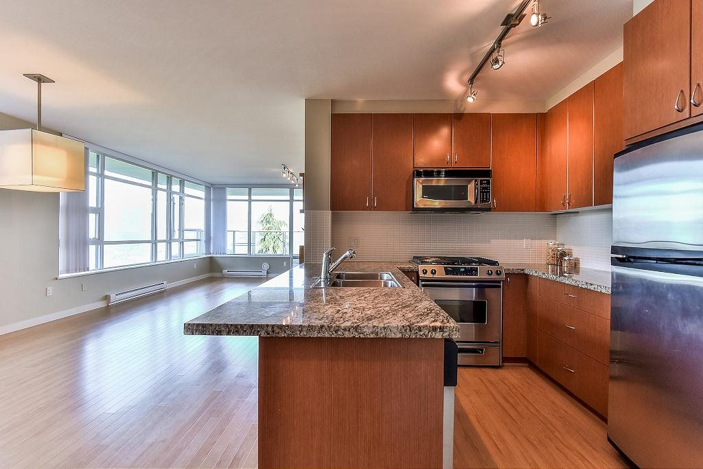 Condo Apartment at 907 9266 UNIVERSITY CRESCENT, Unit 907, Burnaby North, British Columbia. Image 13