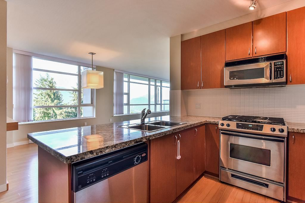 Condo Apartment at 907 9266 UNIVERSITY CRESCENT, Unit 907, Burnaby North, British Columbia. Image 14