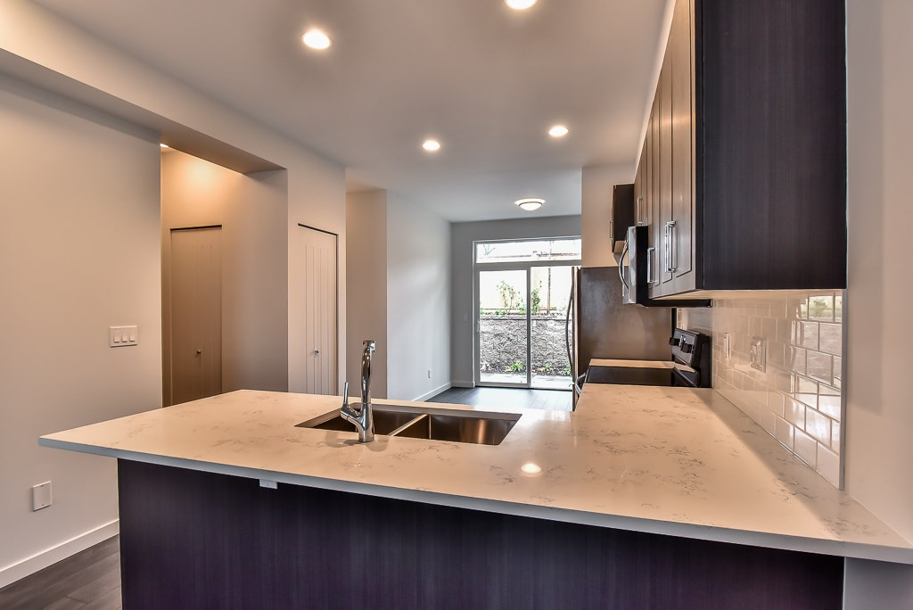 Townhouse at 49 14555 68 AVENUE, Unit 49, Surrey, British Columbia. Image 5
