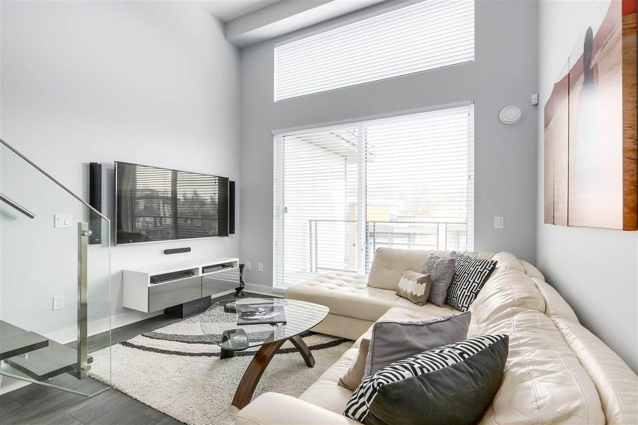 Condo Apartment at 610 733 W 3RD STREET, Unit 610, North Vancouver, British Columbia. Image 3