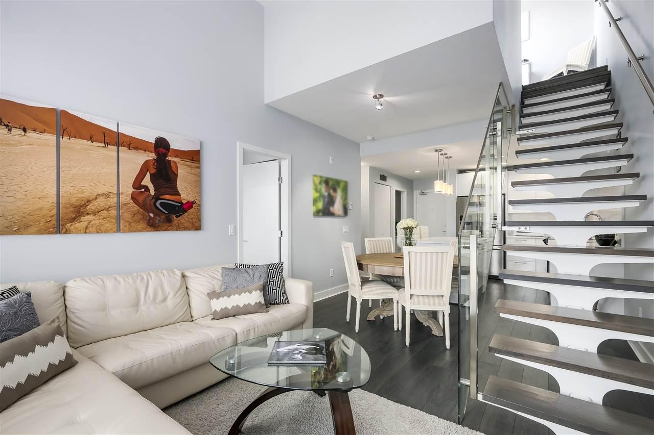 Condo Apartment at 610 733 W 3RD STREET, Unit 610, North Vancouver, British Columbia. Image 4