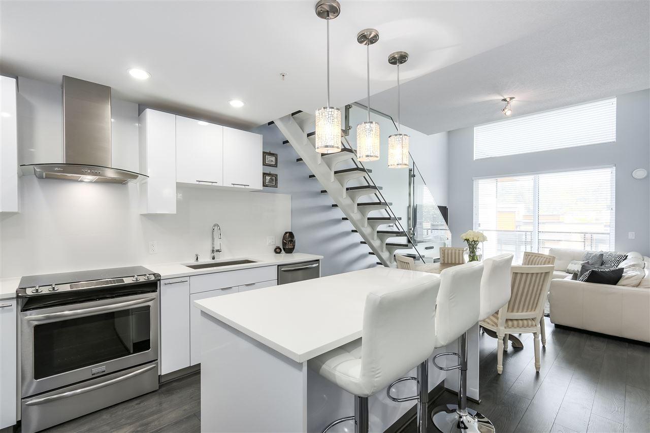 Condo Apartment at 610 733 W 3RD STREET, Unit 610, North Vancouver, British Columbia. Image 9