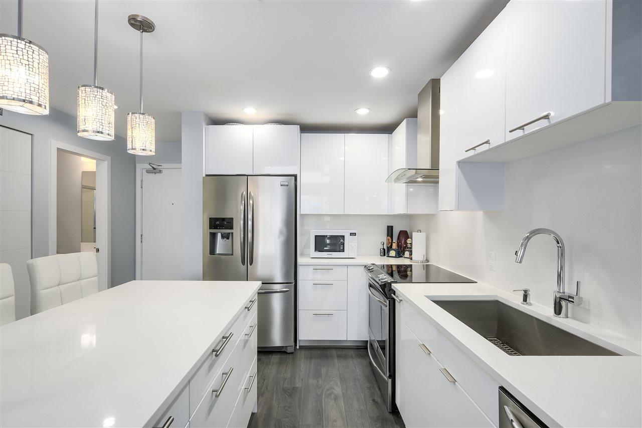 Condo Apartment at 610 733 W 3RD STREET, Unit 610, North Vancouver, British Columbia. Image 11