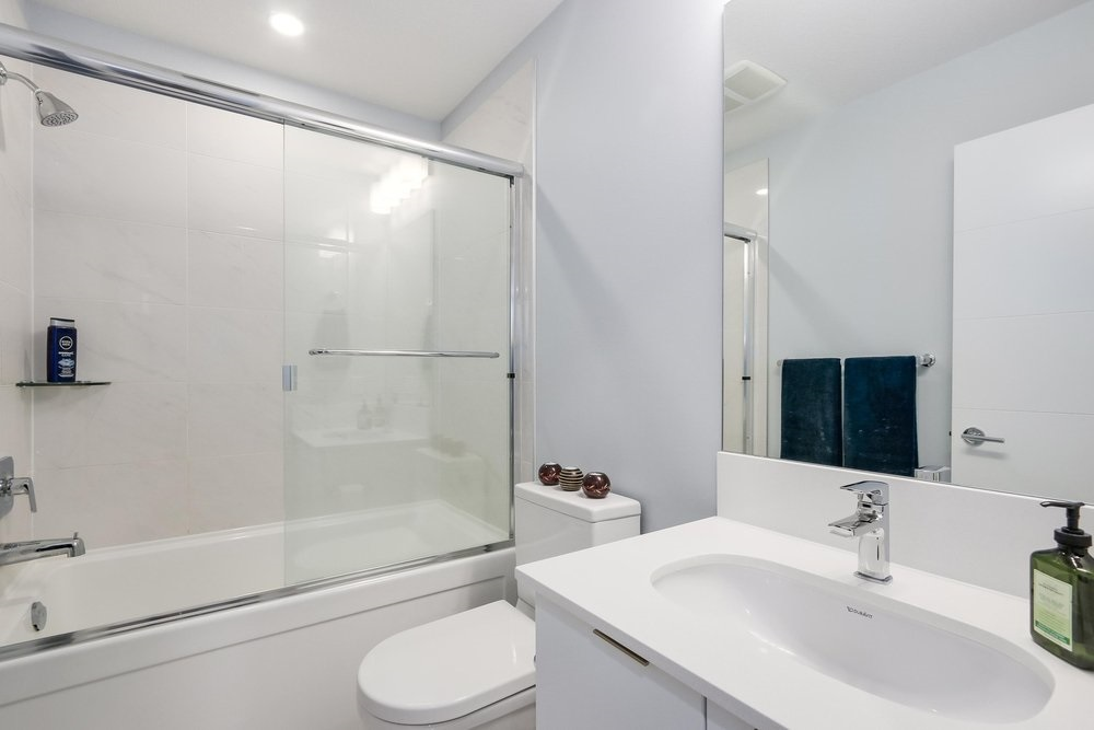 Condo Apartment at 610 733 W 3RD STREET, Unit 610, North Vancouver, British Columbia. Image 15