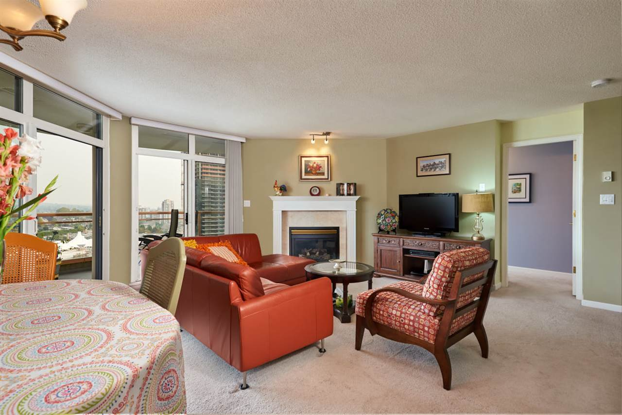 Condo Apartment at 2102 4425 HALIFAX STREET, Unit 2102, Burnaby North, British Columbia. Image 2