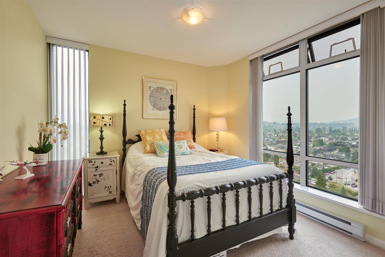 Condo Apartment at 2102 4425 HALIFAX STREET, Unit 2102, Burnaby North, British Columbia. Image 9