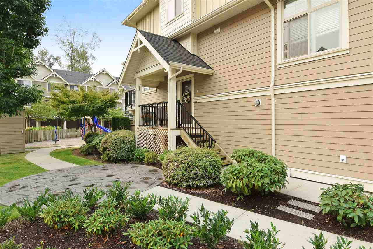 Townhouse at 22 19525 73 AVENUE, Unit 22, Cloverdale, British Columbia. Image 2