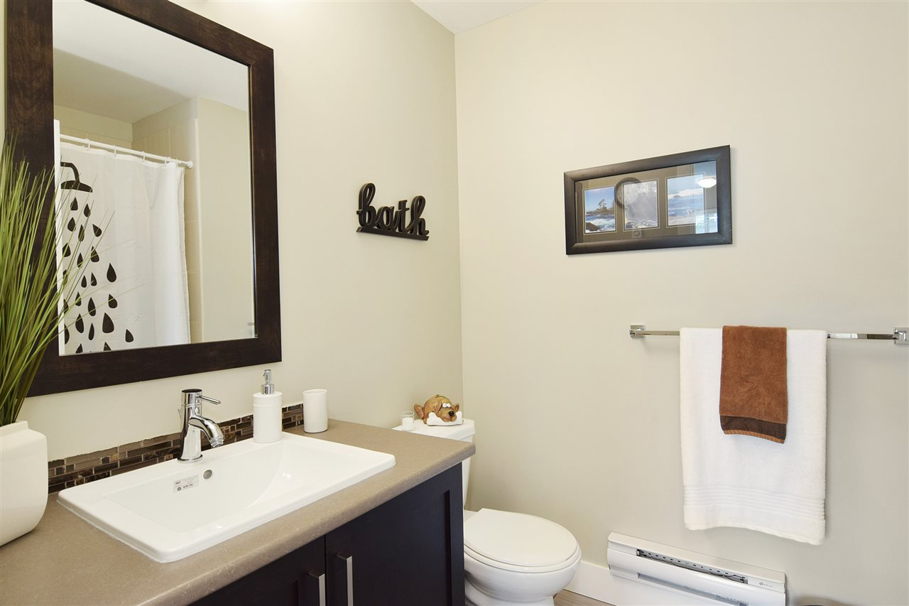 Townhouse at 22 19525 73 AVENUE, Unit 22, Cloverdale, British Columbia. Image 17