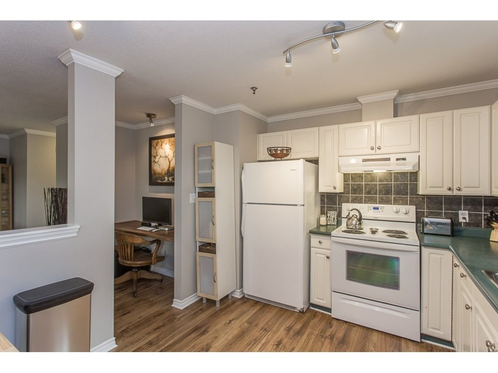 Condo Apartment at 109 33688 KING ROAD, Unit 109, Abbotsford, British Columbia. Image 4