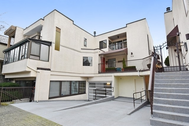 Townhouse at 205 925 W 8TH AVENUE, Unit 205, Vancouver West, British Columbia. Image 2