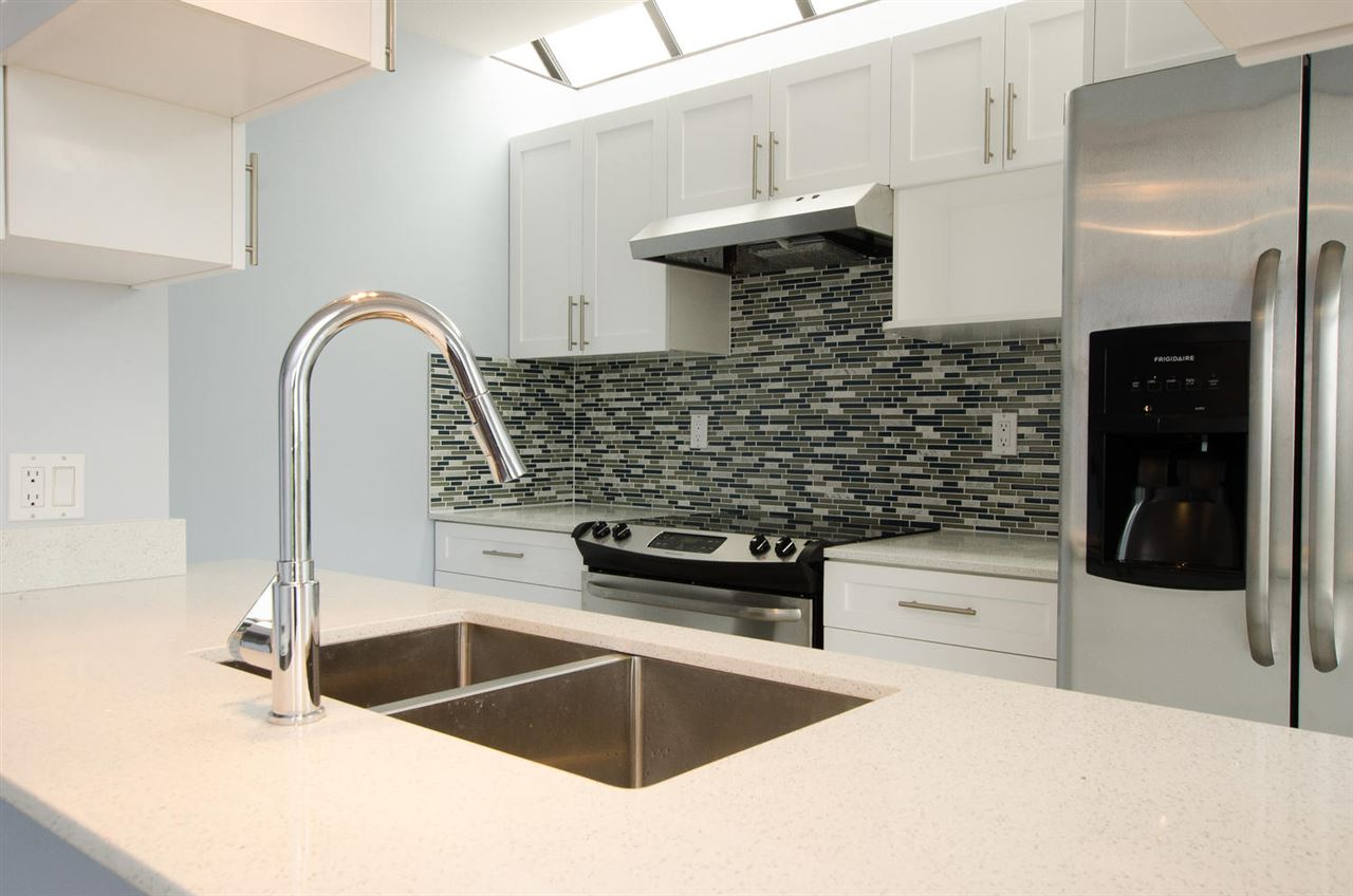 Townhouse at 205 925 W 8TH AVENUE, Unit 205, Vancouver West, British Columbia. Image 8
