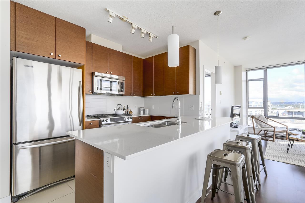 Condo Apartment at 1708 7360 ELMBRIDGE WAY, Unit 1708, Richmond, British Columbia. Image 8
