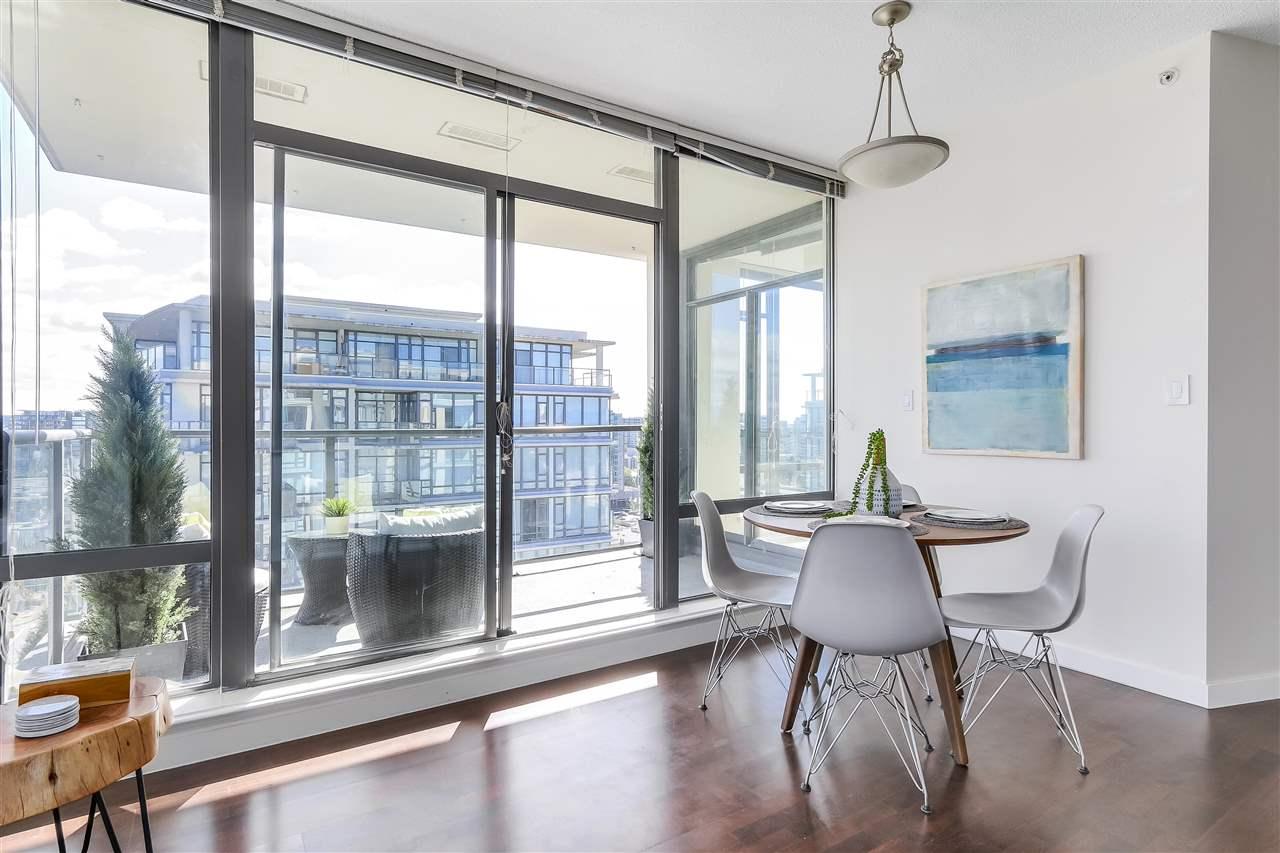 Condo Apartment at 1708 7360 ELMBRIDGE WAY, Unit 1708, Richmond, British Columbia. Image 10