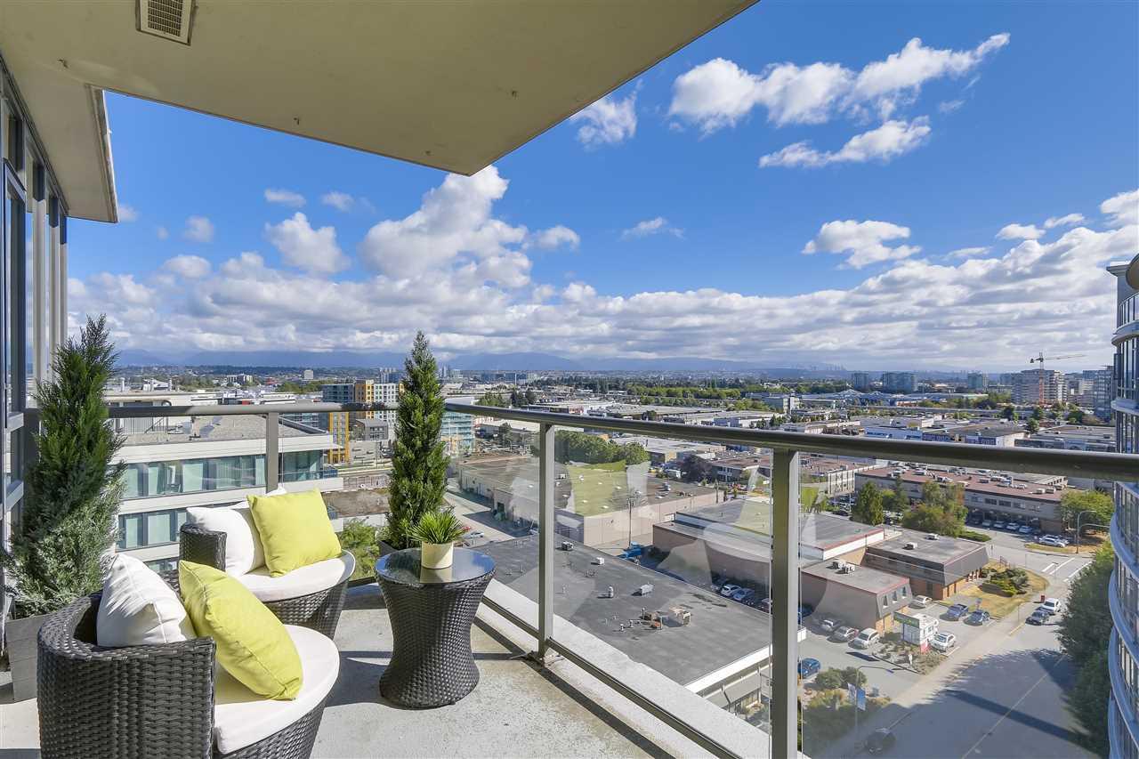 Condo Apartment at 1708 7360 ELMBRIDGE WAY, Unit 1708, Richmond, British Columbia. Image 11