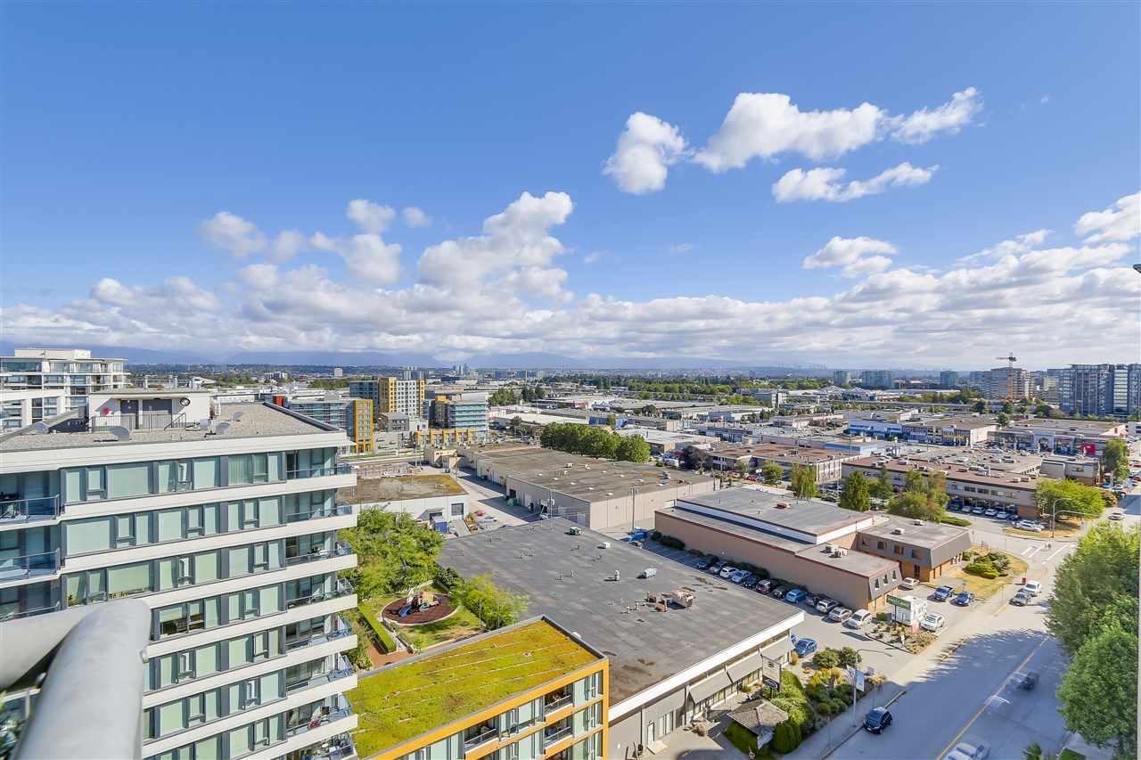 Condo Apartment at 1708 7360 ELMBRIDGE WAY, Unit 1708, Richmond, British Columbia. Image 13