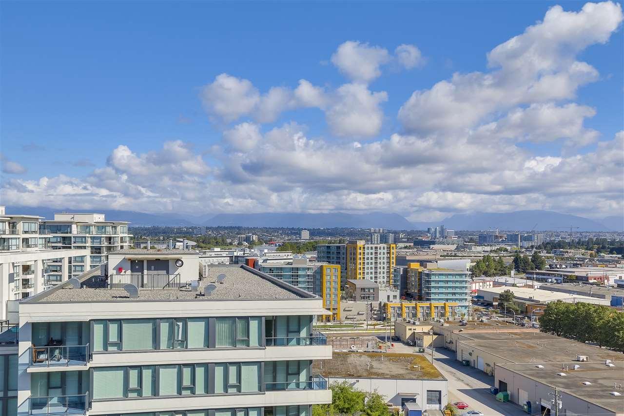 Condo Apartment at 1708 7360 ELMBRIDGE WAY, Unit 1708, Richmond, British Columbia. Image 14