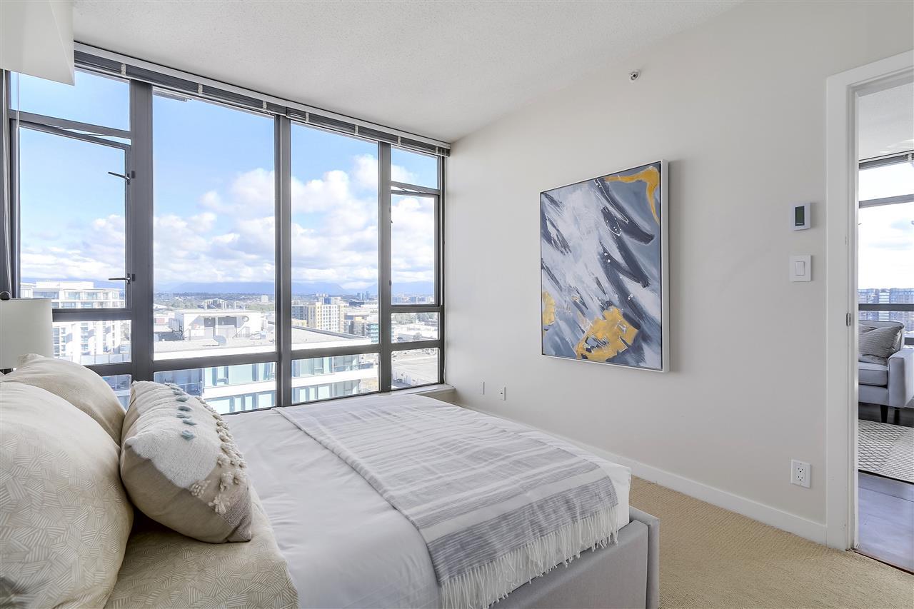 Condo Apartment at 1708 7360 ELMBRIDGE WAY, Unit 1708, Richmond, British Columbia. Image 17