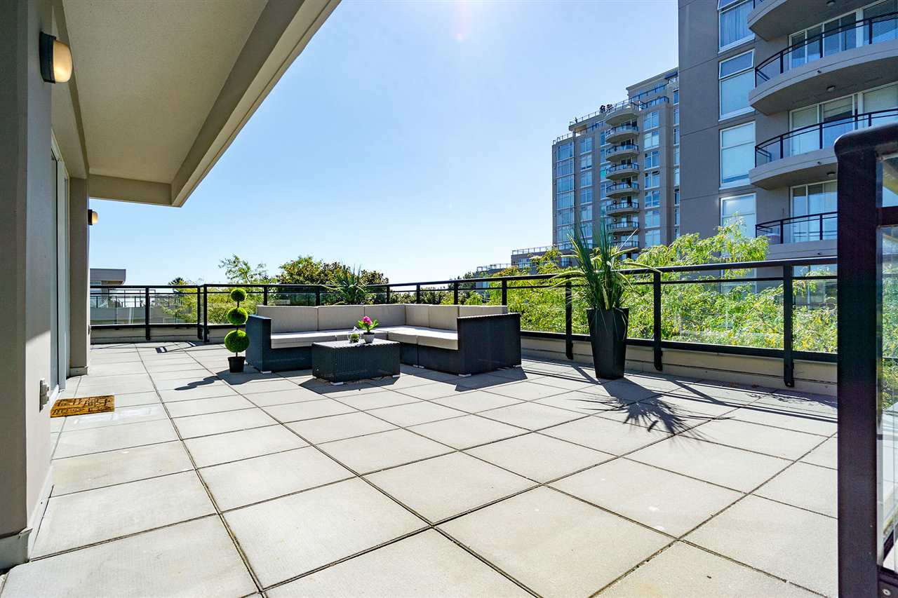 Condo Apartment at 401 8480 GRANVILLE AVENUE, Unit 401, Richmond, British Columbia. Image 8