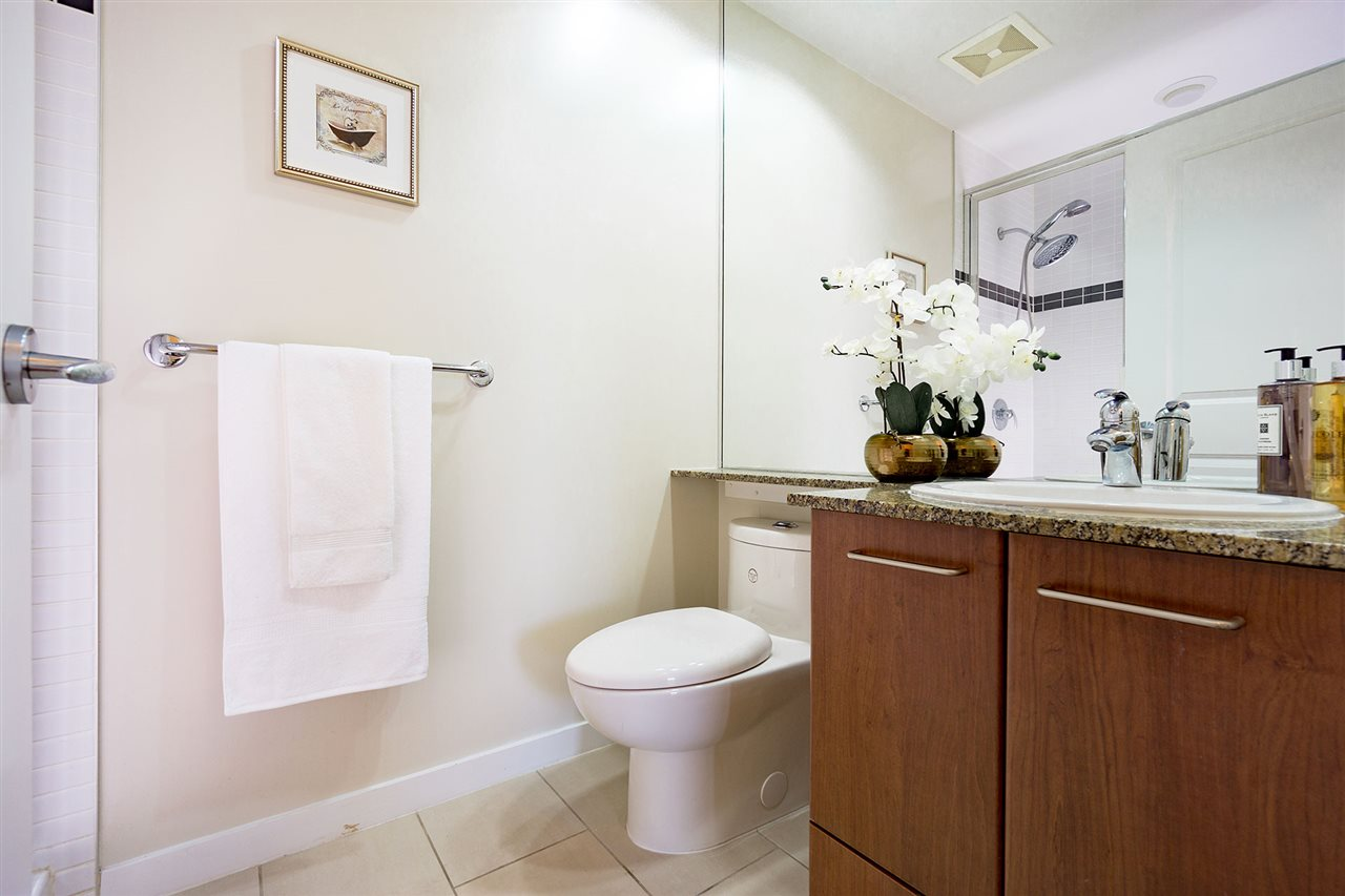 Condo Apartment at 401 8480 GRANVILLE AVENUE, Unit 401, Richmond, British Columbia. Image 15
