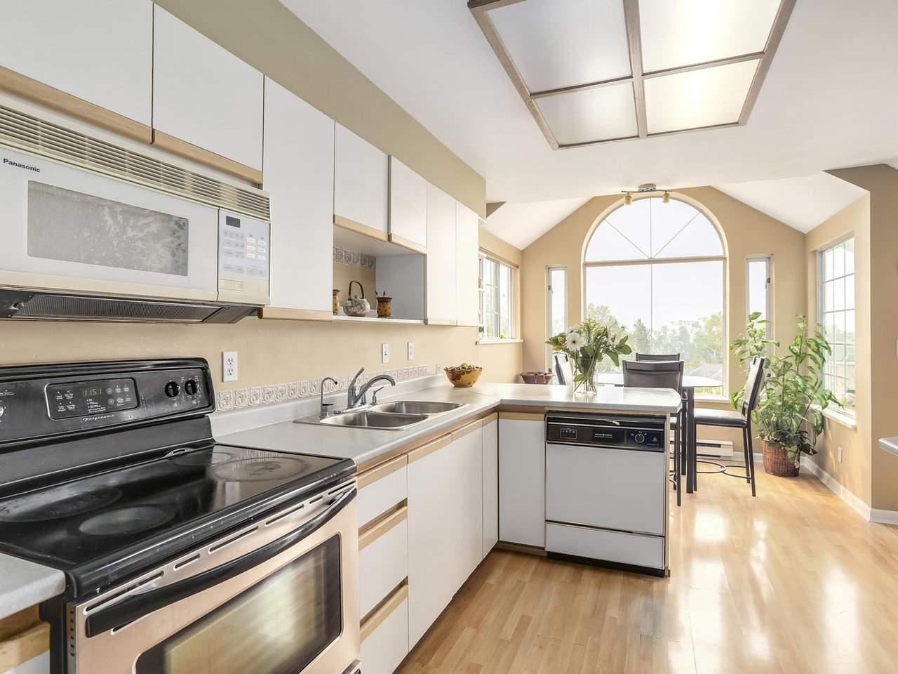 Townhouse at 2329 QUAYSIDE COURT, Vancouver East, British Columbia. Image 10