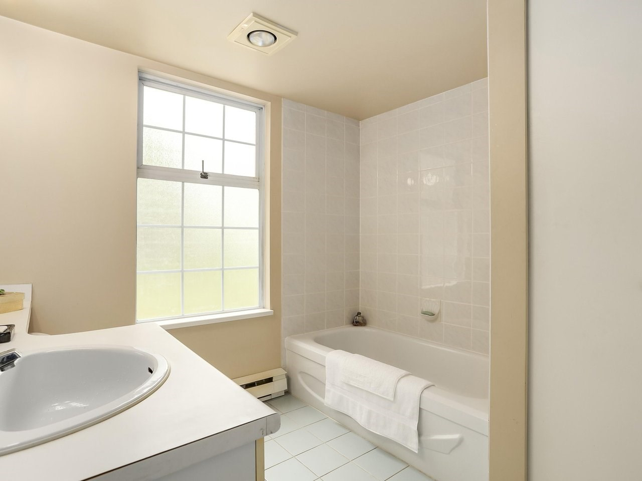 Townhouse at 2329 QUAYSIDE COURT, Vancouver East, British Columbia. Image 12