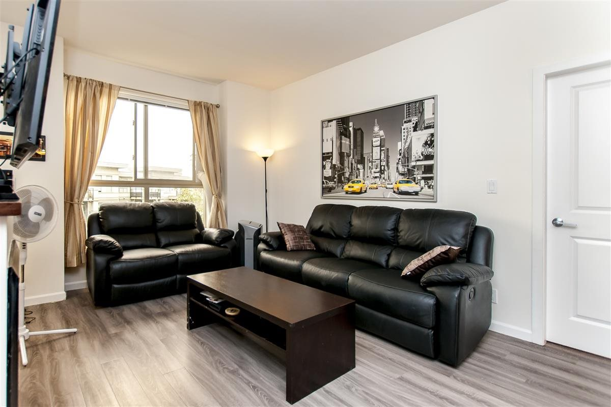 Condo Apartment at 202 275 ROSS DRIVE, Unit 202, New Westminster, British Columbia. Image 3