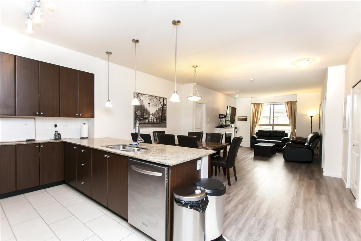 Condo Apartment at 202 275 ROSS DRIVE, Unit 202, New Westminster, British Columbia. Image 5