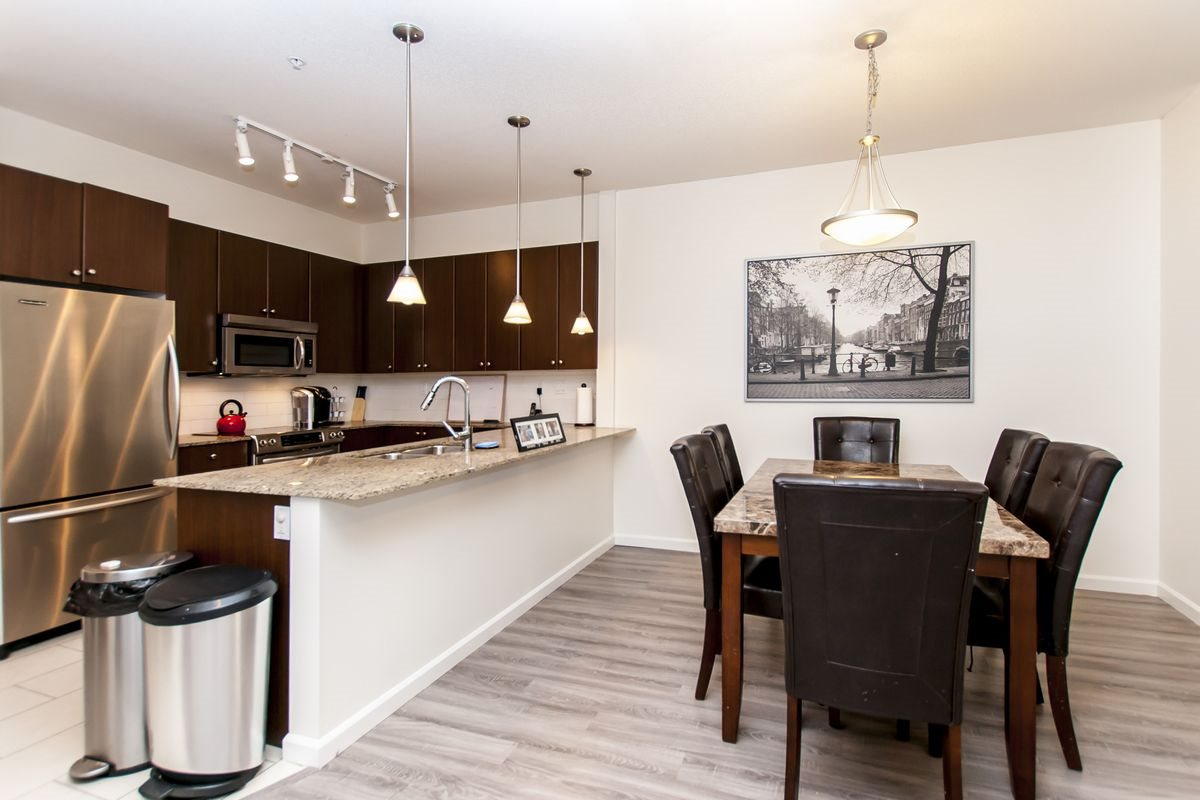 Condo Apartment at 202 275 ROSS DRIVE, Unit 202, New Westminster, British Columbia. Image 14