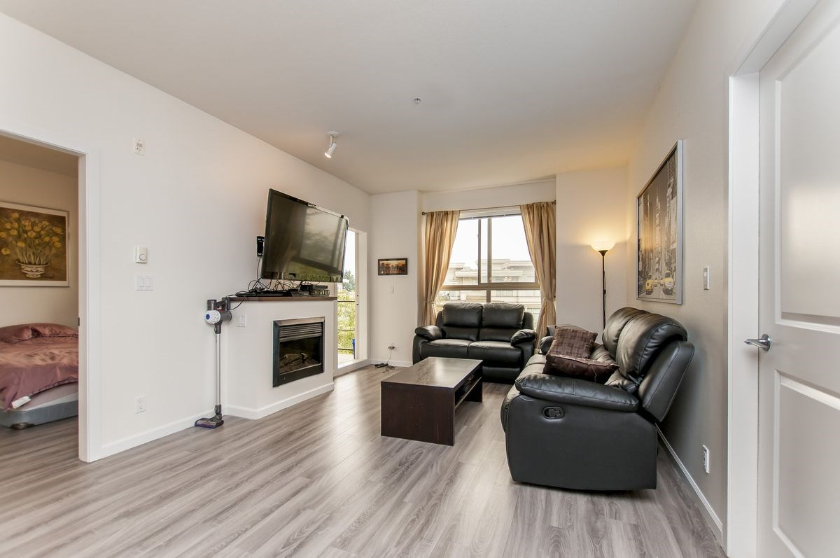 Condo Apartment at 202 275 ROSS DRIVE, Unit 202, New Westminster, British Columbia. Image 15