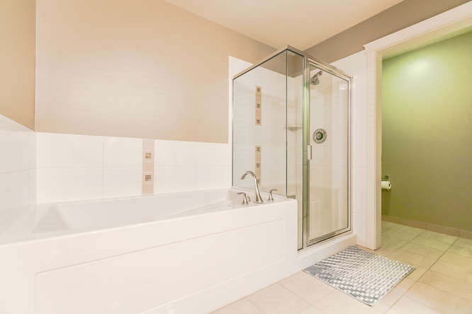 Condo Apartment at 604 1415 PARKWAY BOULEVARD, Unit 604, Coquitlam, British Columbia. Image 16