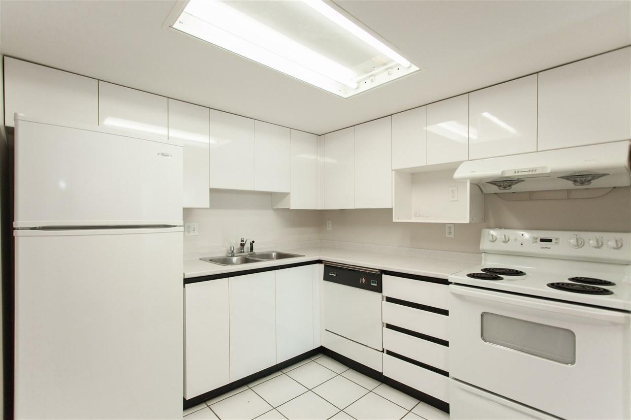 Condo Apartment at 704 7040 GRANVILLE AVENUE, Unit 704, Richmond, British Columbia. Image 2