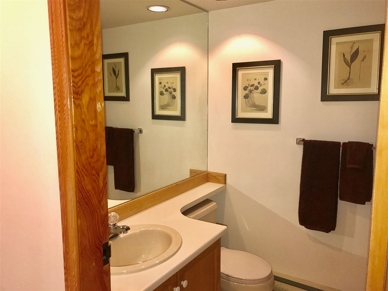 Townhouse at 1202 3050 HILLCREST DRIVE, Unit 1202, Whistler, British Columbia. Image 12