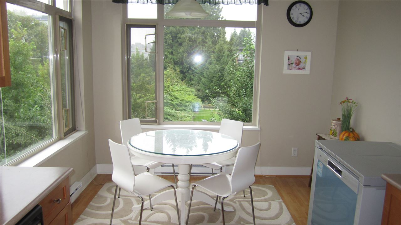 Condo Apartment at 301 2280 WESBROOK MALL, Unit 301, Vancouver West, British Columbia. Image 7