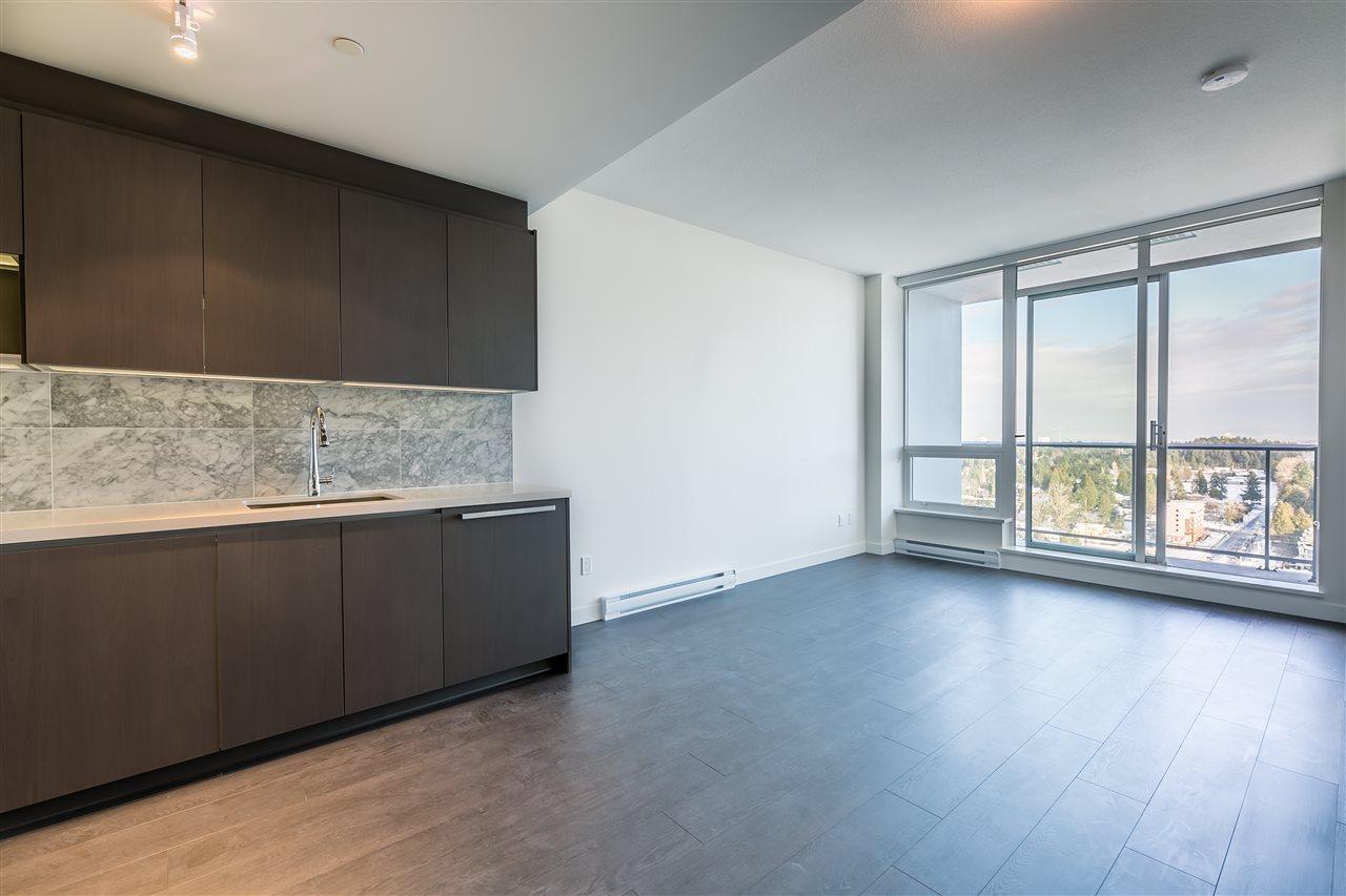 Condo Apartment at 4001 13750 100 AVENUE, Unit 4001, North Surrey, British Columbia. Image 4
