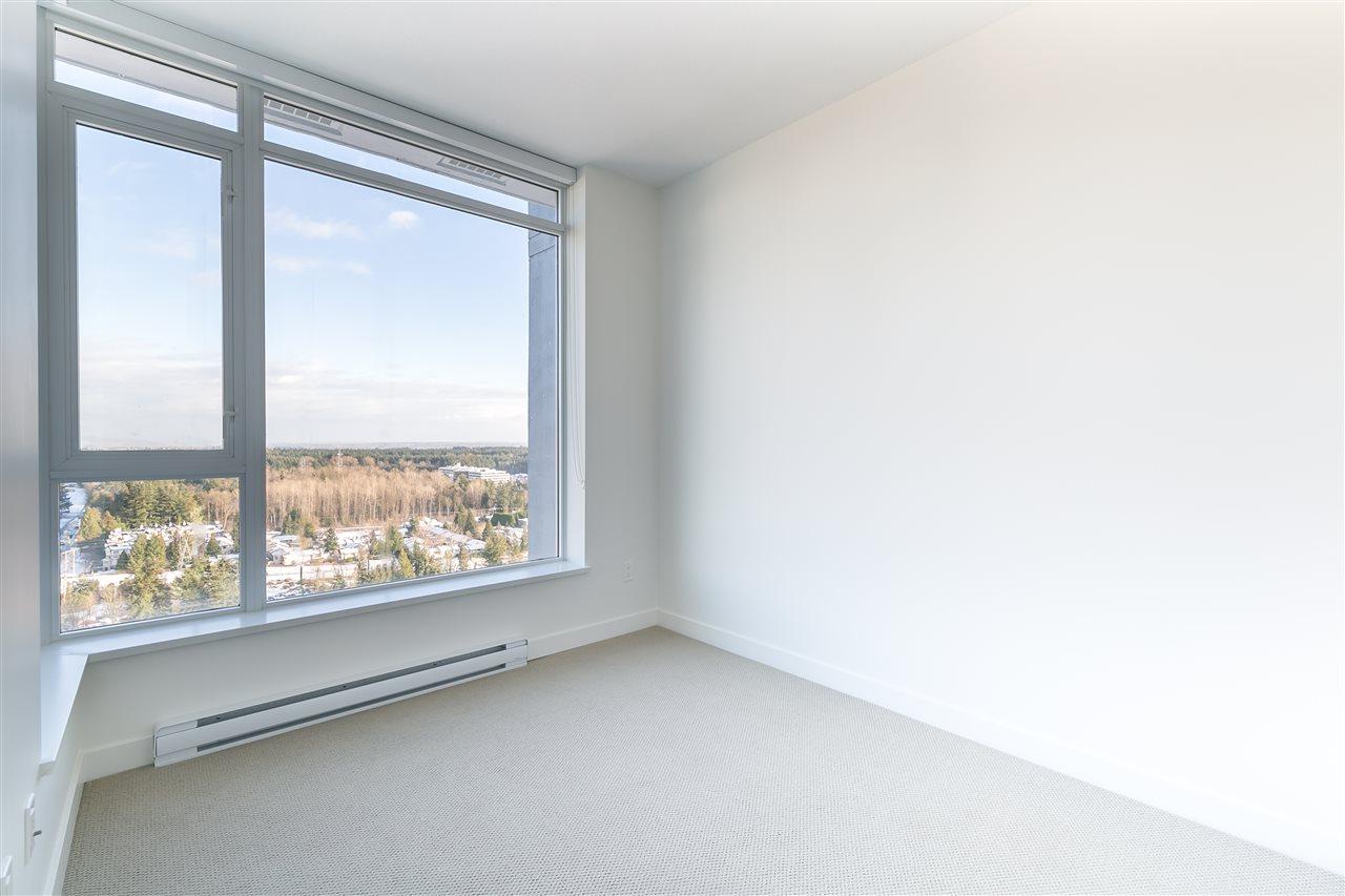 Condo Apartment at 4001 13750 100 AVENUE, Unit 4001, North Surrey, British Columbia. Image 6