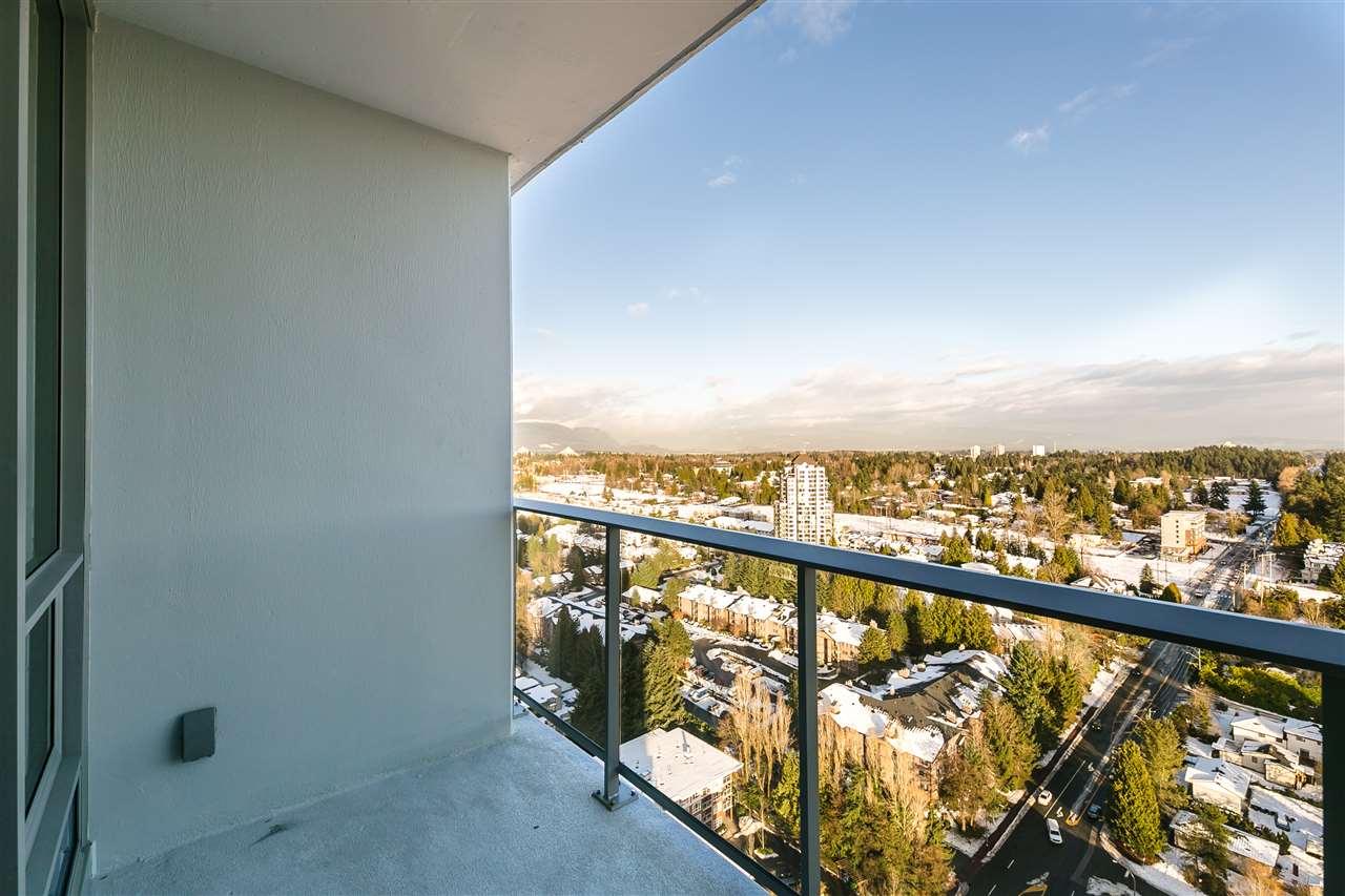 Condo Apartment at 4001 13750 100 AVENUE, Unit 4001, North Surrey, British Columbia. Image 8
