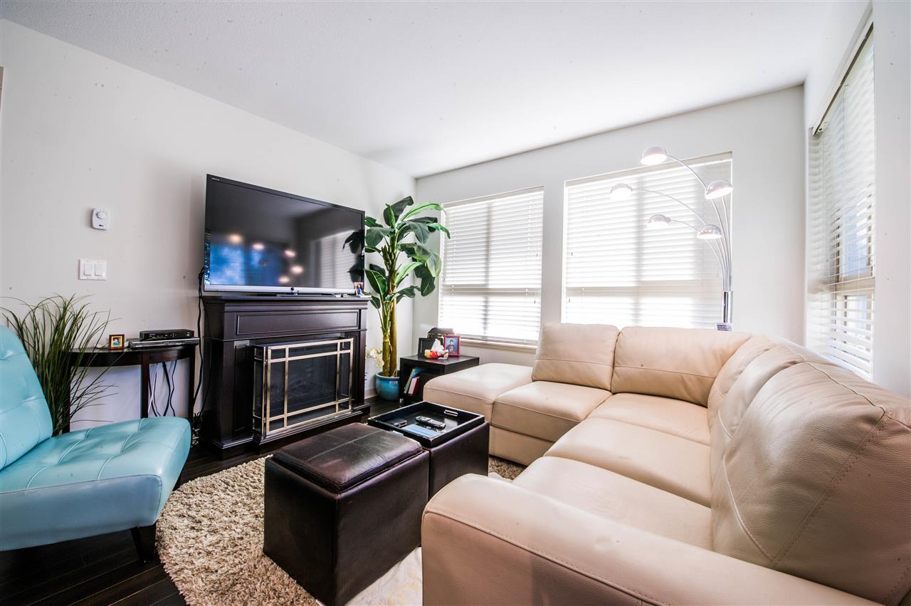 Condo Apartment at 406 8695 160 STREET, Unit 406, Surrey, British Columbia. Image 3
