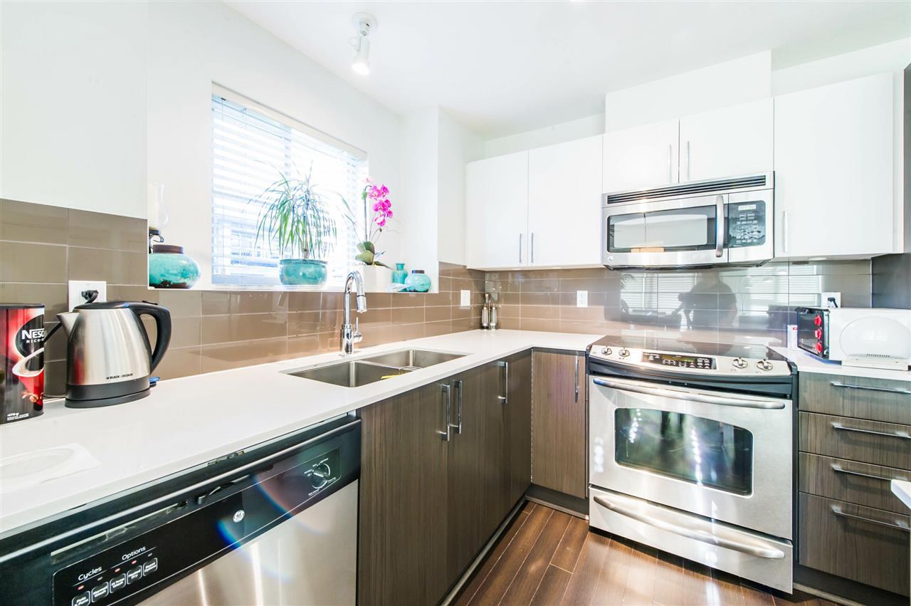 Condo Apartment at 406 8695 160 STREET, Unit 406, Surrey, British Columbia. Image 4