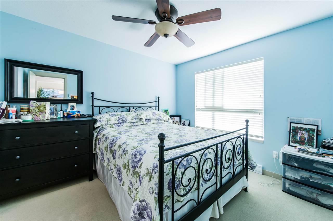 Condo Apartment at 406 8695 160 STREET, Unit 406, Surrey, British Columbia. Image 7