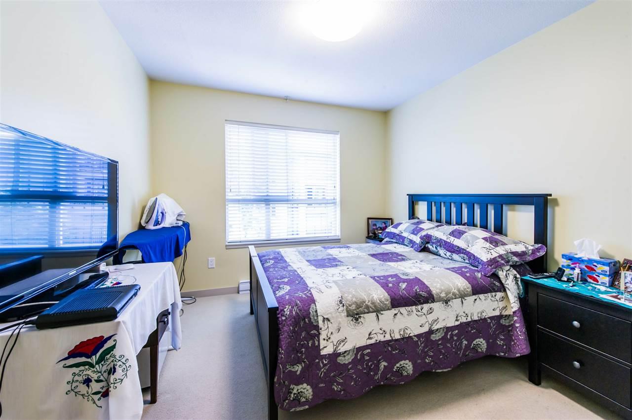 Condo Apartment at 406 8695 160 STREET, Unit 406, Surrey, British Columbia. Image 9