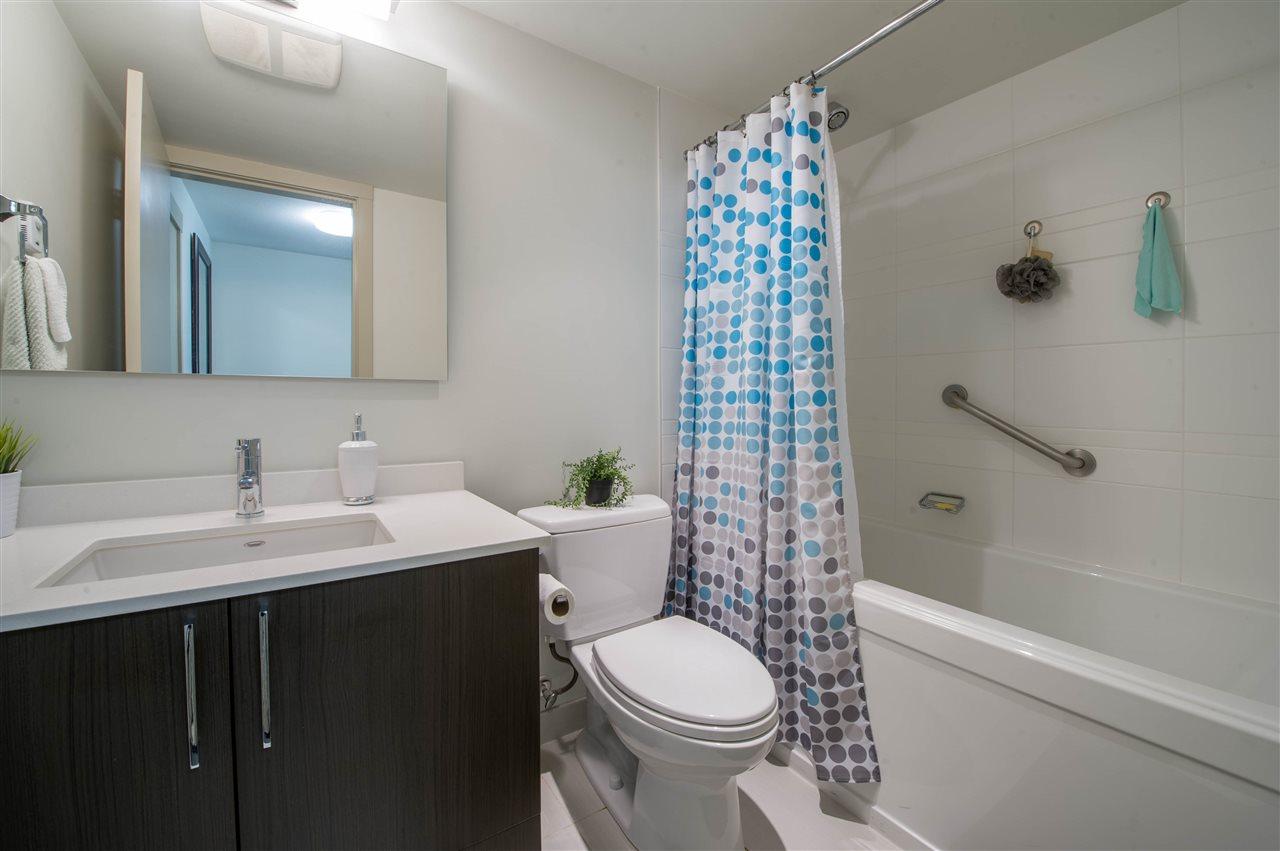 Condo Apartment at 406 8695 160 STREET, Unit 406, Surrey, British Columbia. Image 10