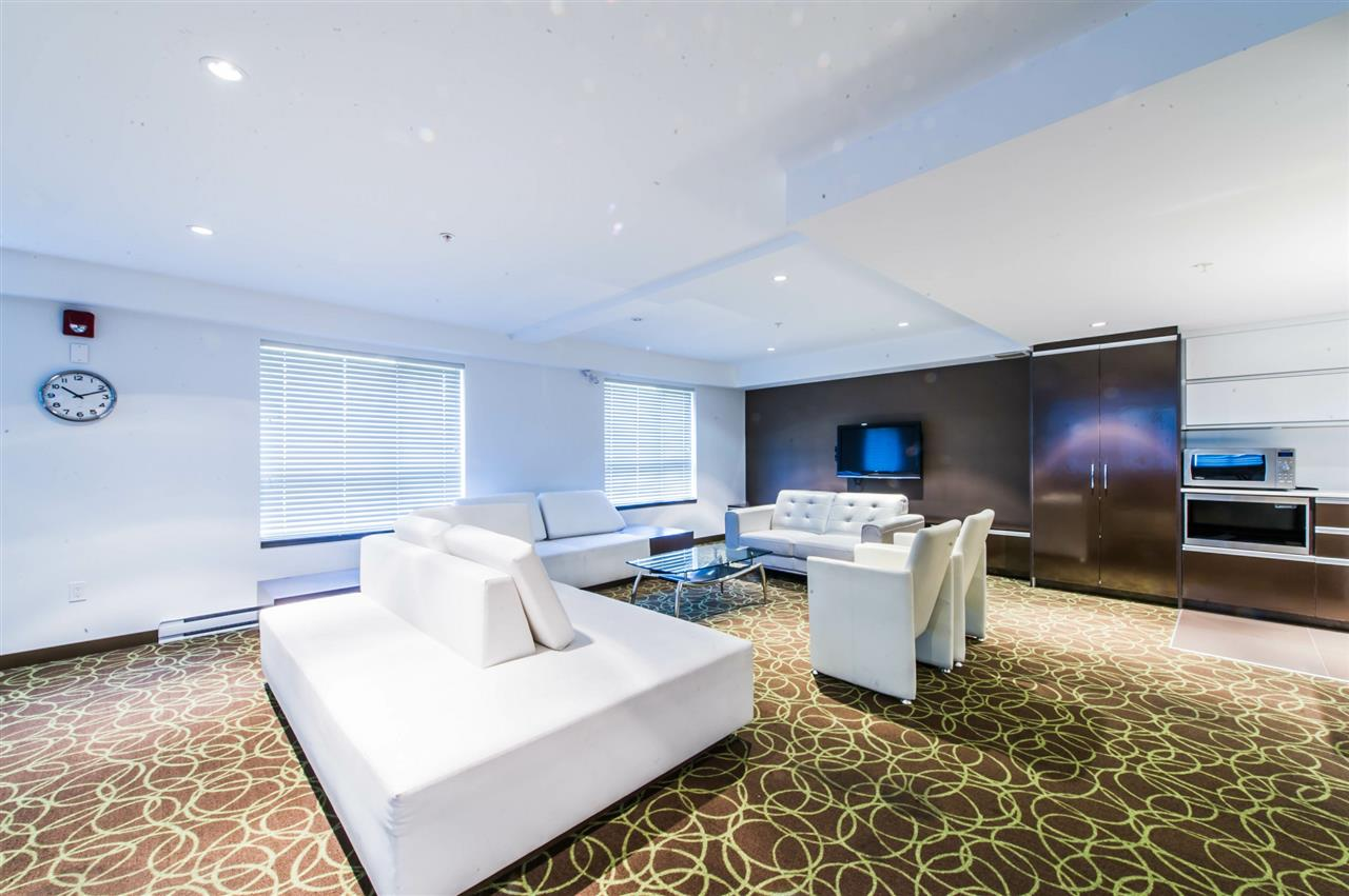 Condo Apartment at 406 8695 160 STREET, Unit 406, Surrey, British Columbia. Image 13