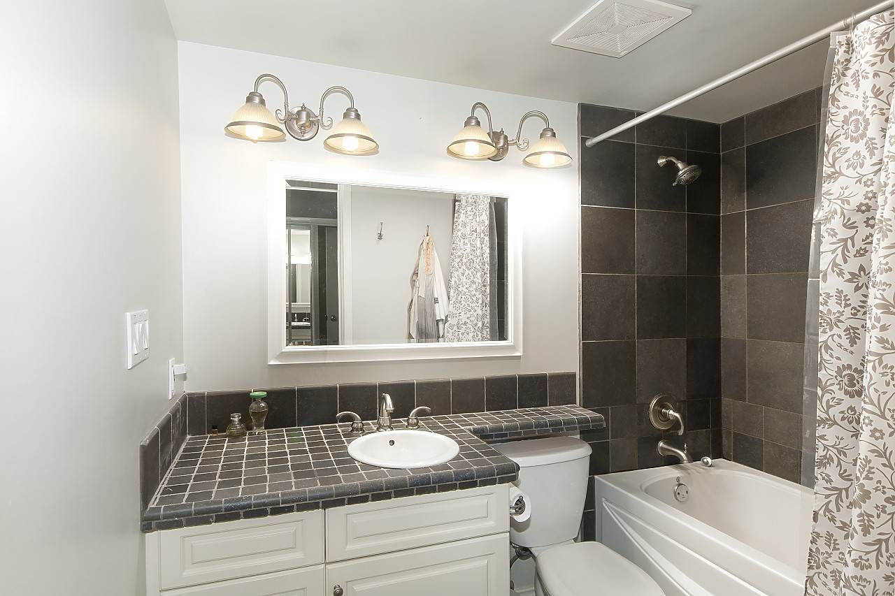 Condo Apartment at 2201 950 CAMBIE STREET, Unit 2201, Vancouver West, British Columbia. Image 8