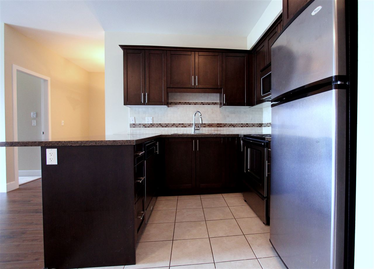 Condo Apartment at 203 46262 FIRST AVENUE, Unit 203, Chilliwack, British Columbia. Image 5