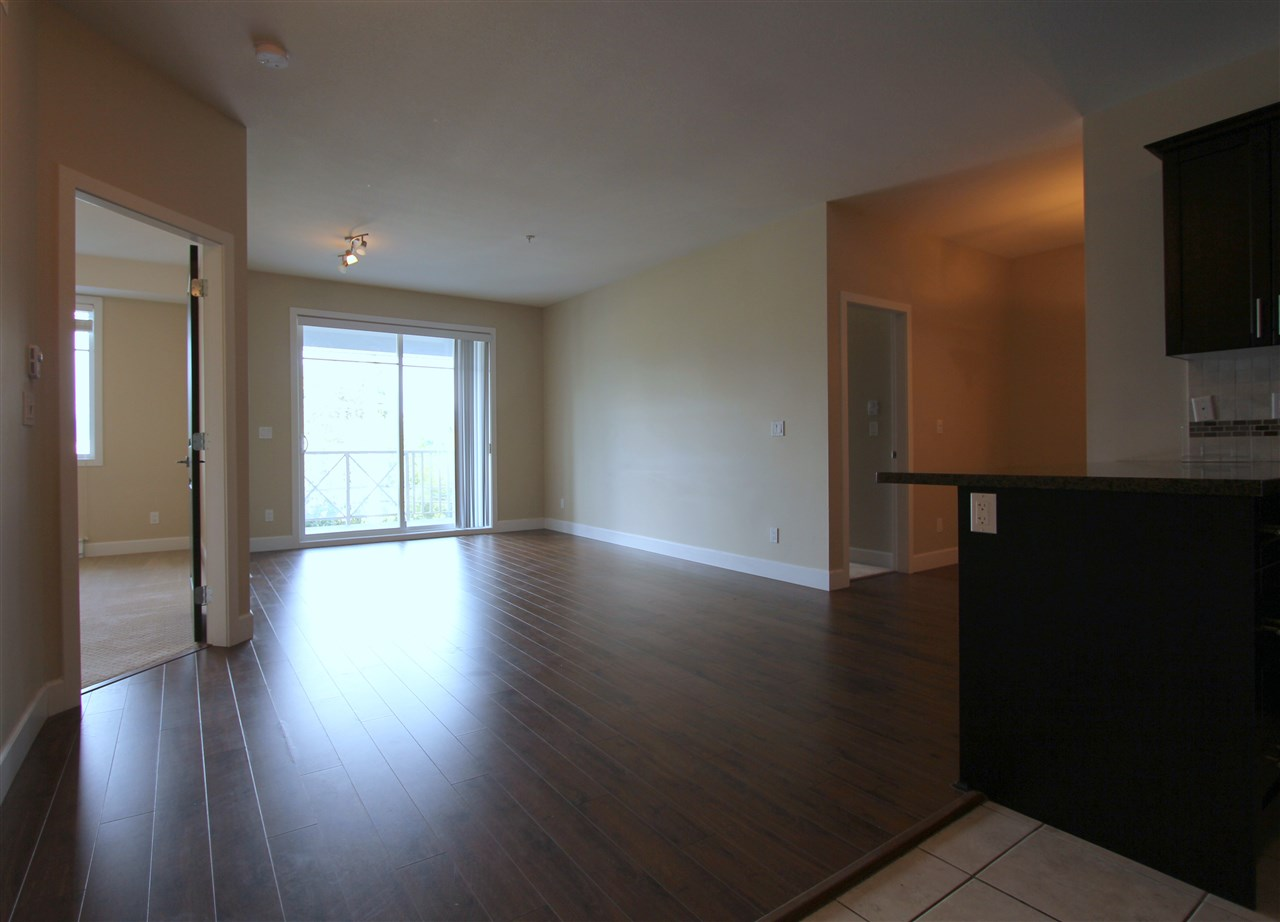 Condo Apartment at 203 46262 FIRST AVENUE, Unit 203, Chilliwack, British Columbia. Image 6