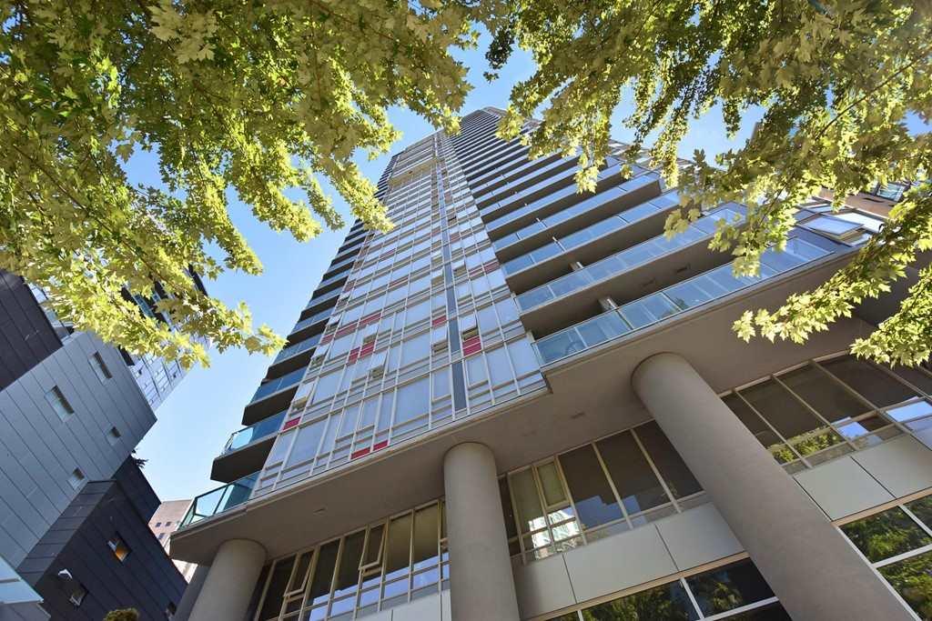 Condo Apartment at 1002 233 ROBSON STREET, Unit 1002, Vancouver West, British Columbia. Image 1